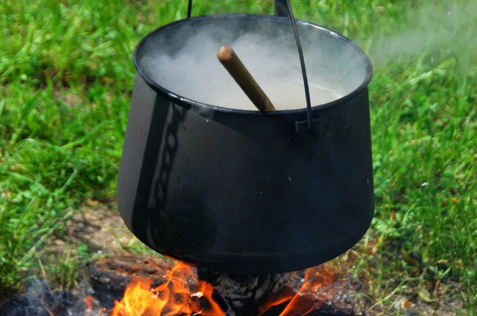 kettle-over-the-fire-2-1307569
