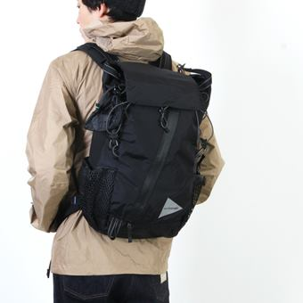 and wander「30L backpack AW-AA912」